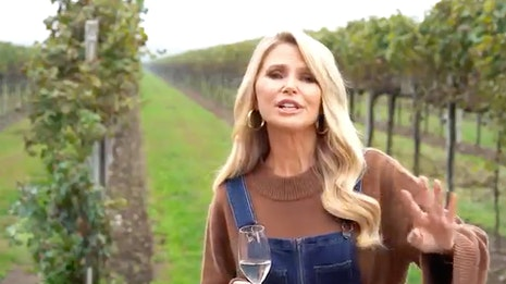 Making Prosecco With Christie Brinkley (Exclusive)
